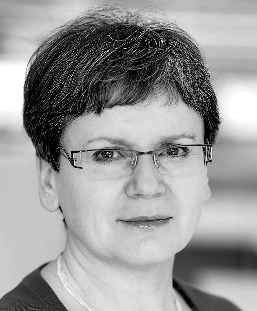 Headshot of Anna Dybka