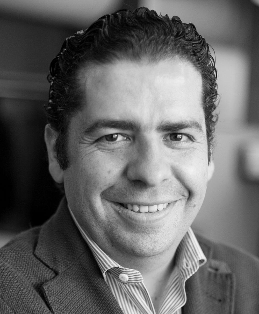Headshot of Bernardo Ortiz