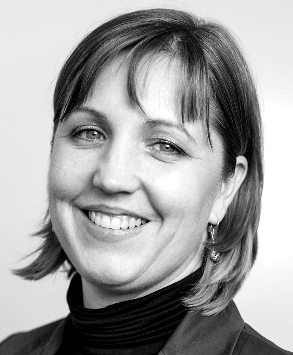 Headshot of Jennifer Moore