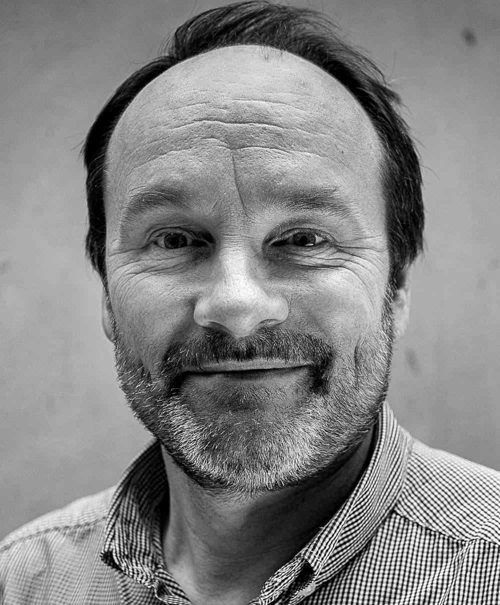 Headshot of Neil Evans