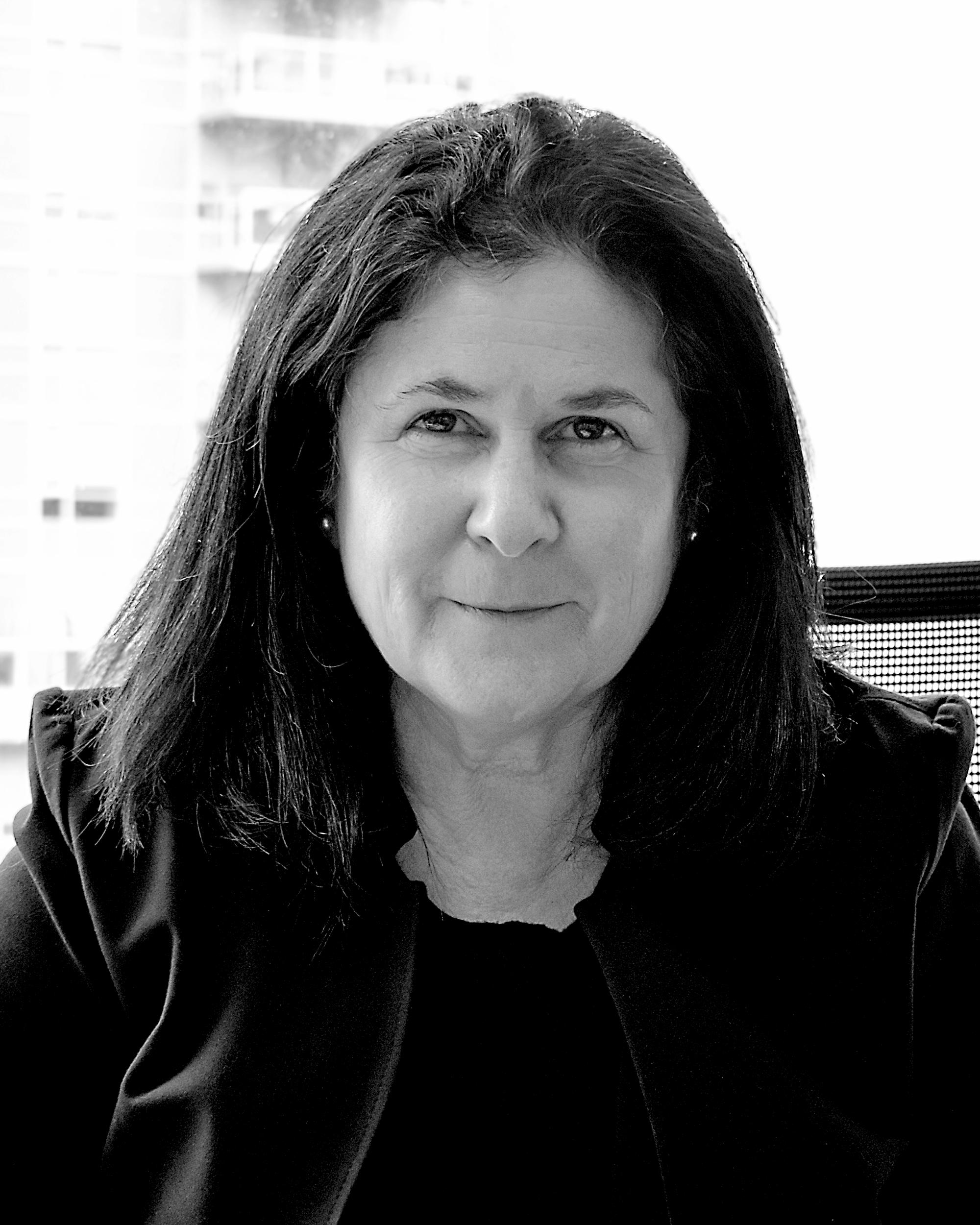 Headshot of Anita Leonoff