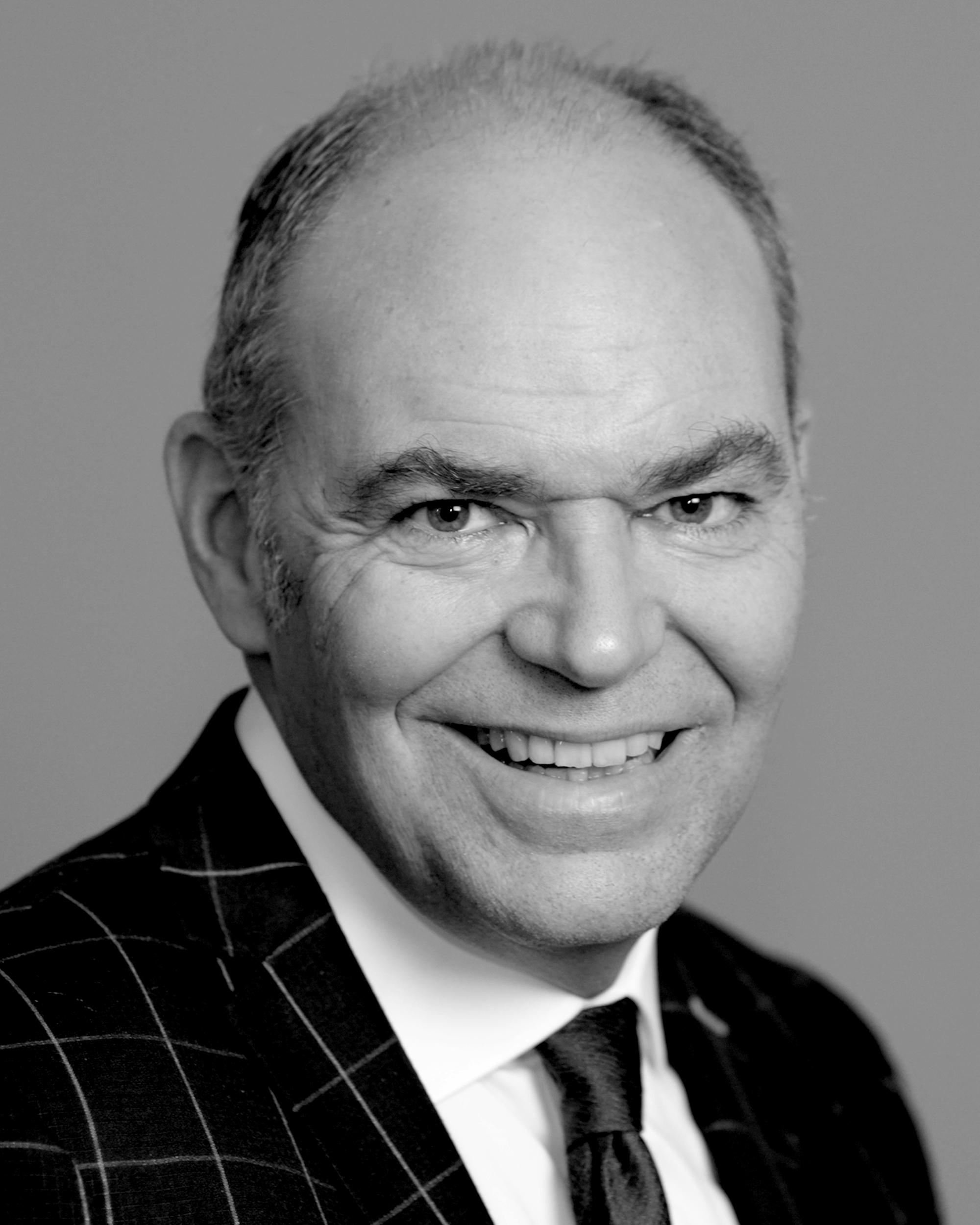 Headshot of Joe Peters