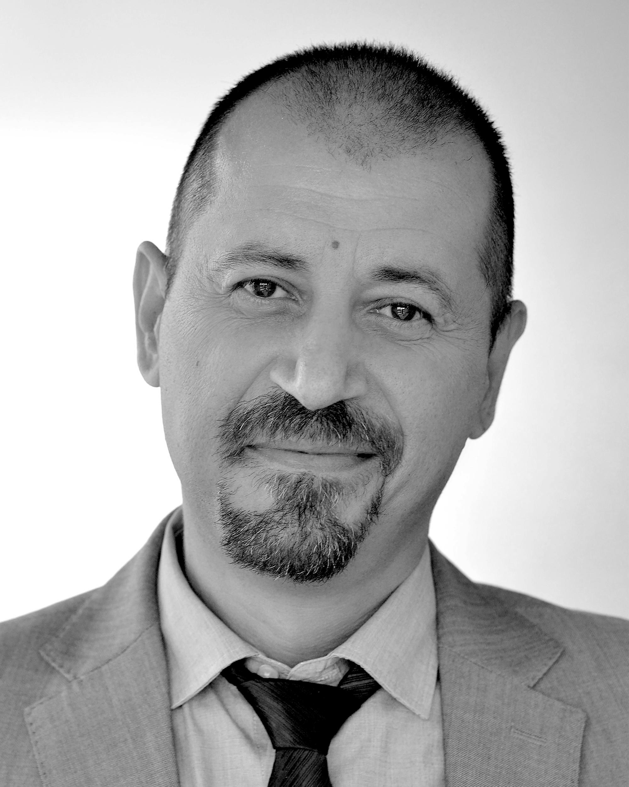 Headshot of Konstantinos (Kostas) Paslis